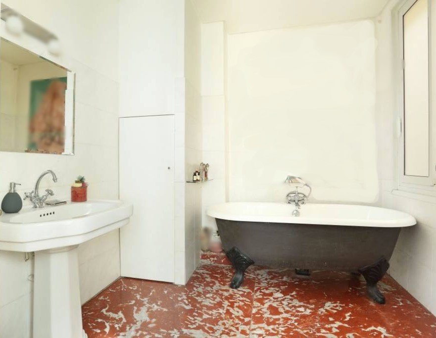 Bathroom with hip bath and french red marble